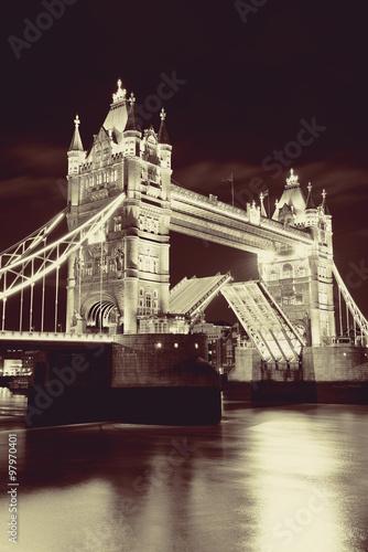 tower-bridge-london-tamiza