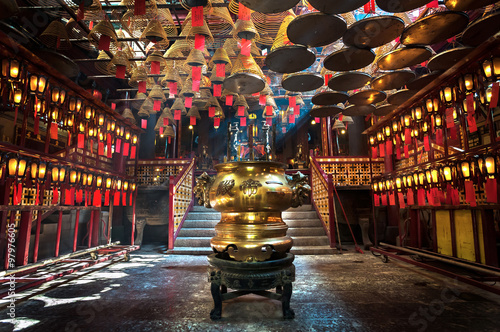 Photo  Inside the main hall of Man Mo Temple, Sheung Wan, Hong Kong