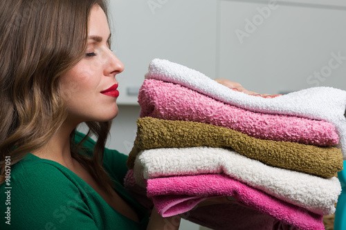 Fotografia, Obraz  Woman doing laundry