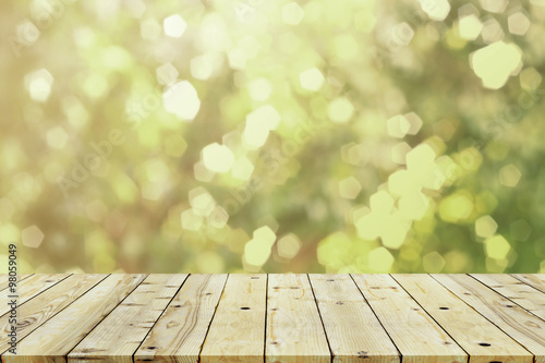 Poster Bois Sunlight and bokeh nature background