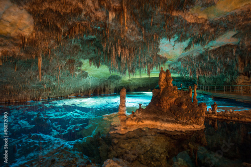 Stampa su Tela  Dragon caves on Majorca, wide angle