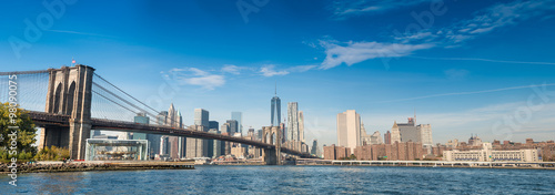 Fototapeta premium Brooklyn Bridge i centrum Manhattanu, widok panoramiczny