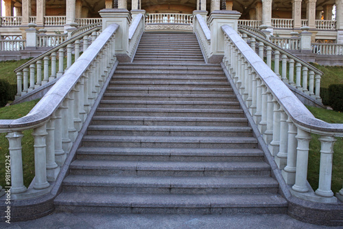 Poster Trappen beautiful classical mansion staircase in the park