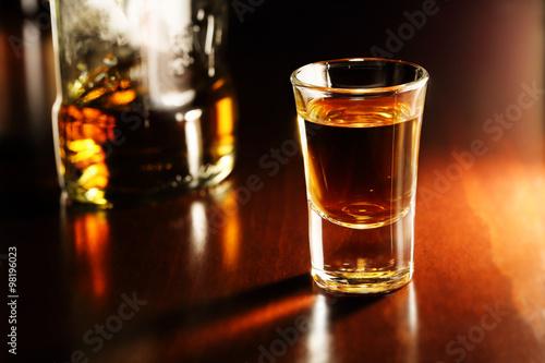 Fotografía whiskey shot