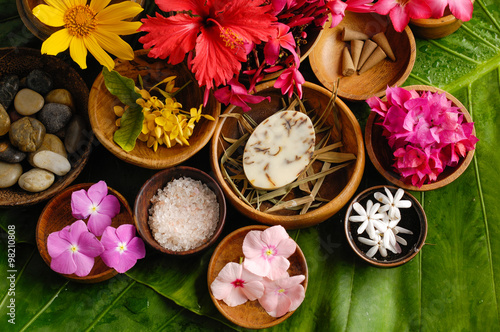Keuken foto achterwand Spa Tropical flower Spa set