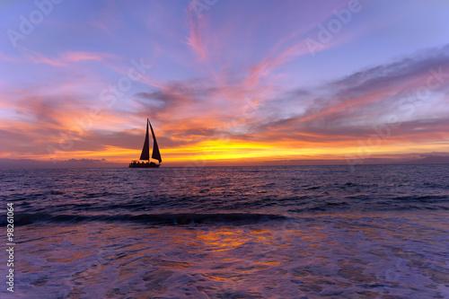 Fotografia  Sailboat Sunset Silhouette