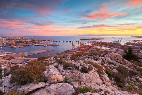 Printed kitchen splashbacks Athens View of Piraeus harbour in Athens from the foothills of Aegaleo mountains