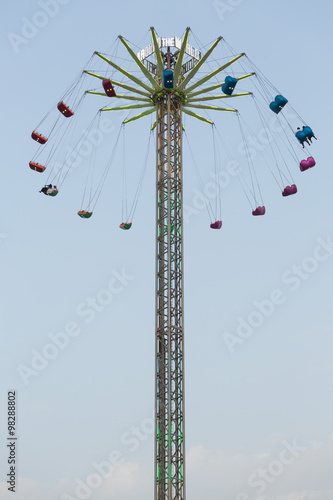 Photo  A sky ride at Global Village theme park,dubai, spinning around.