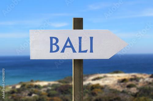 Foto op Plexiglas Indonesië Bali sign with seaside in the background