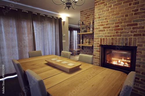 intérieur maison salon avec insert feu central double face – kaufen ...
