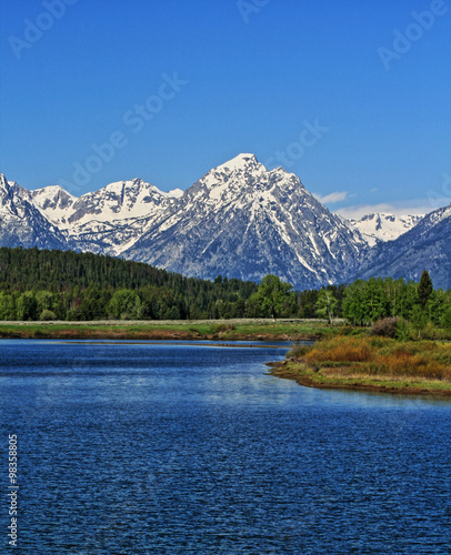 Fotobehang Natuur Park Jenny Lake in front of Mount Moran in the Grand Teton mountain range in the Grand Teton National Park in Wyoming USA during the spring / summer