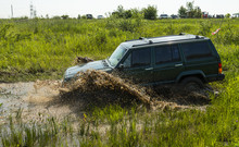 Off-road Vehicle Brand Jeep Ch...