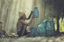 Portrait Old Fisherman Living Mekong.