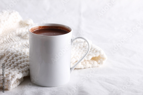 Staande foto Chocolade hot chocolate drink in white mug