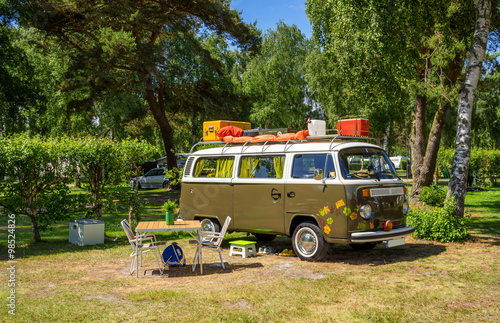Photo  Urlaub mit Kult-Campingbus