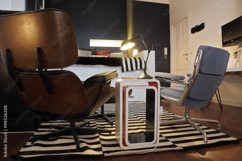Designer Sessel In Schwarzem Leder Bauhaus Stil Foto Poster