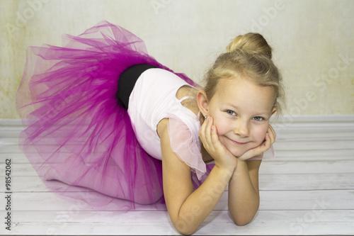 Fotografie, Obraz  Baletnica w spódnicy tutu
