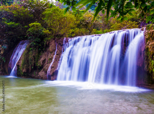 Foto op Canvas Watervallen beautiful waterfalls the 'Tee lor su' in Thailand