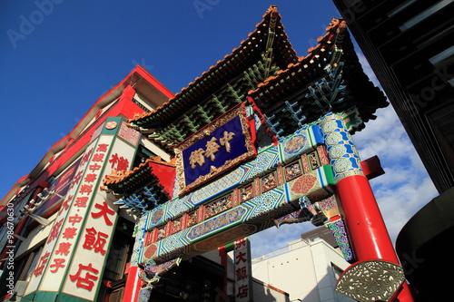 横浜中華街入口の善隣門