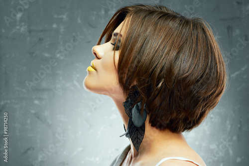profil-twarzy-portret-seksowna-kobieta-z