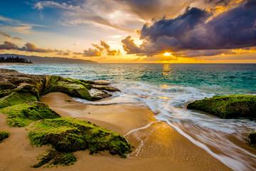 Piękny hawajski zachód słońca