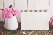 Blank Desk Calendar With Pink ...