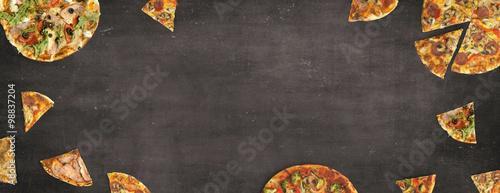 Fotografie, Obraz  Pizza auf Schiefertafel - Hintergrund / Banner