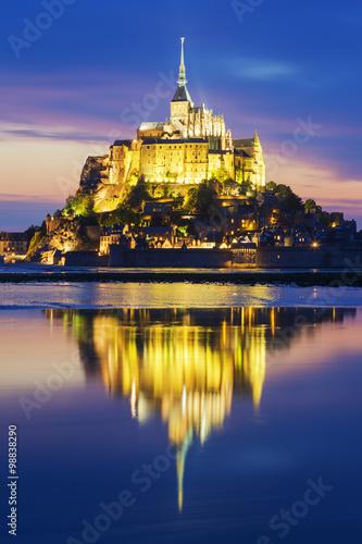 Fotografia, Obraz  View of famous Mont-Saint-Michel by night