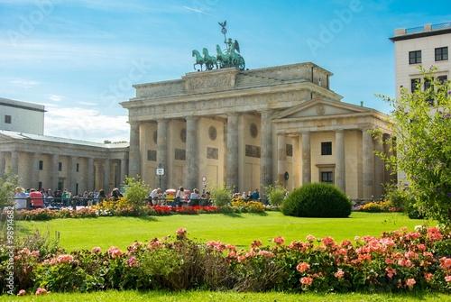Papiers peints Jardin Porte de Brandebourg, Brandenburg Gate, Brandenburger Tor, Berlin, Germany