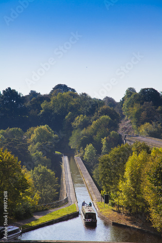 Foto op Canvas Kanaal Chirk Aqueduct, views of canal boat and the railway and canal bridges