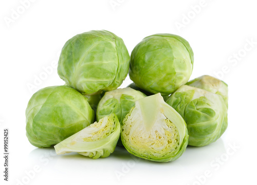 La pose en embrasure Bruxelles Group of Brussel Sprouts isolated on white background
