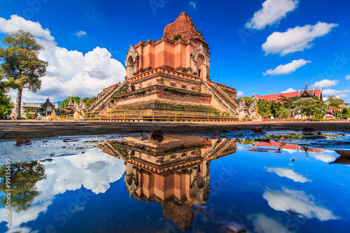 Foto  Wat Chedi Luang in Chiangmai province of Thailand