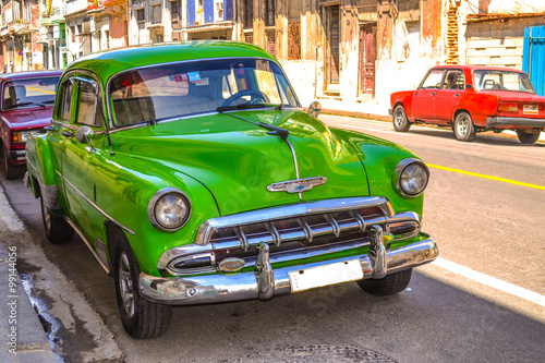Deurstickers Cubaanse oldtimers Retro and vintage cars in Cuba.