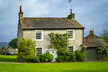 Beautiful English House With C...