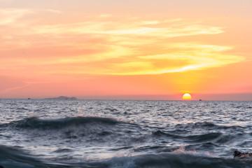Panel Szklany Podświetlane Vintage Sunset on the sea