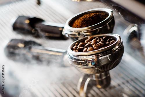Canvastavla coffee maker machine