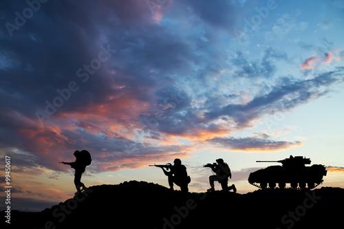 Fotografía  Soldados en el Campo