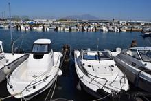 プレジャーボート/山形県の港に係留してある、プレジャーボートの風景を撮影した写真です。