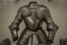 Medieval Iron Armor, Spanish A...