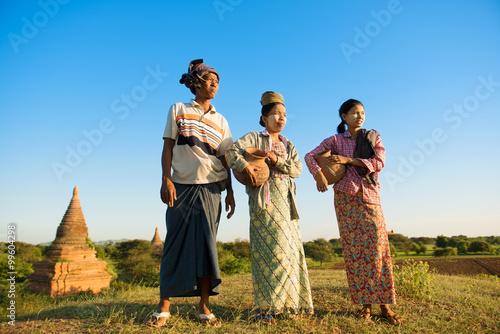 Valokuva  Group Asian Myanmar traditional farmers