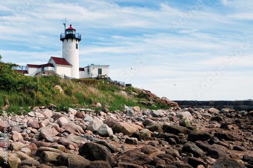 Gloucester Harbor Lighthouse Over Rocky Shore in Low Tide Fototapet