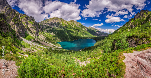 Foto op Plexiglas Zalm Panorama of beautiful lake in the middle of the Tatra mountains