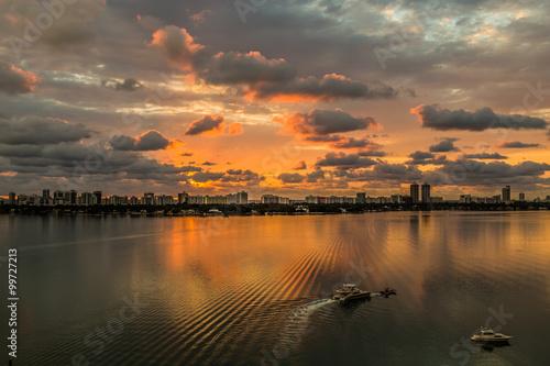 фотография  Golden dawn/ Beautiful sunrise reflection on the bay
