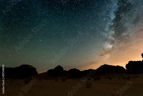 Poster Moyen-Orient Night in Wadi Rum desert. Jordan