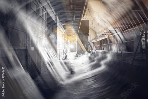 Papiers peints Les vieux bâtiments abandonnés dirty corridor in an abandoned factory building, double exposure