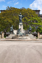 Monument Im St Johns Gardens, Liverpool