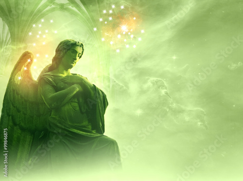 Fotografia archangel Rafael over a green background with stars and gate