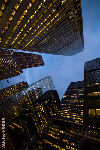 Fotografia  night view of city skyscrapers