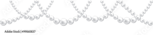 Foto  Pearl necklace isolated