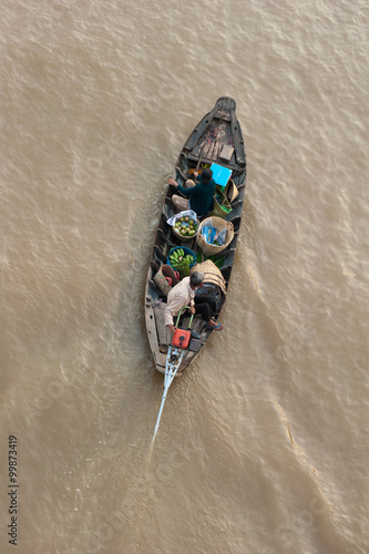 Foto  Boat with vegetables in Mekong delta Cai Rang floating market in Can Tho Vietnam